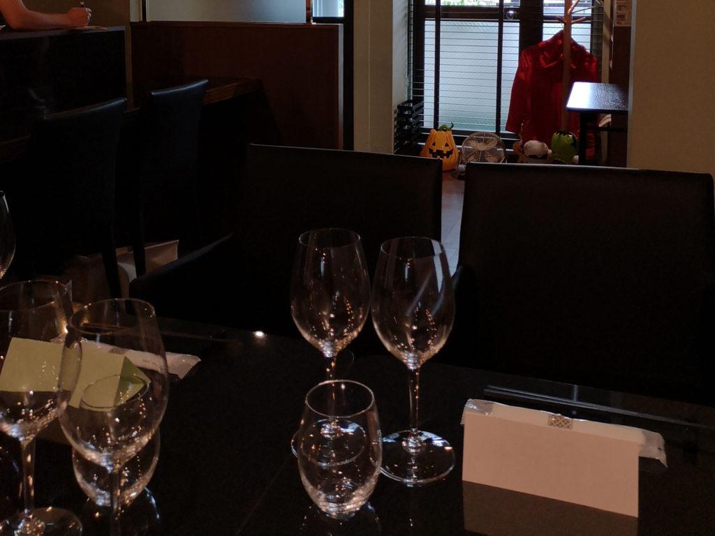 『日本ワインの店かくはち』店内画像1