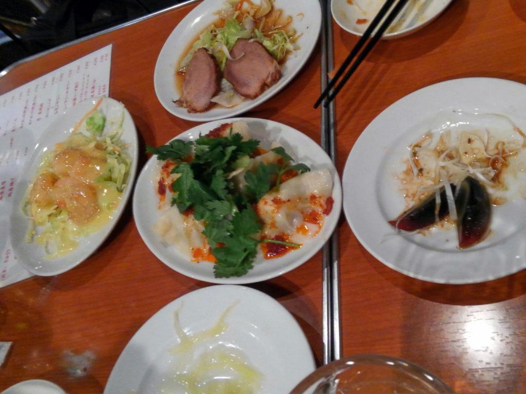 新橋『味満餃子』料理